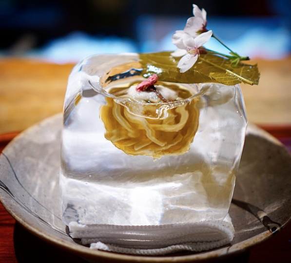 Japanese restaurant serves up noodles in stunning ice cube bowls