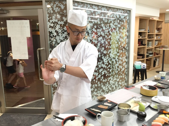 Tokyo Sushi Academy offers lessons with all-you-can eat sushi, naturally we attend