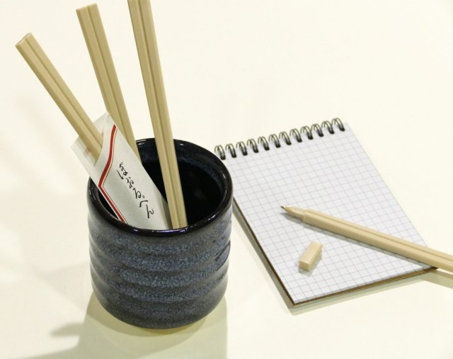 """This is a pen: These """"disposable chopsticks"""" are all you need to write a letter!"""