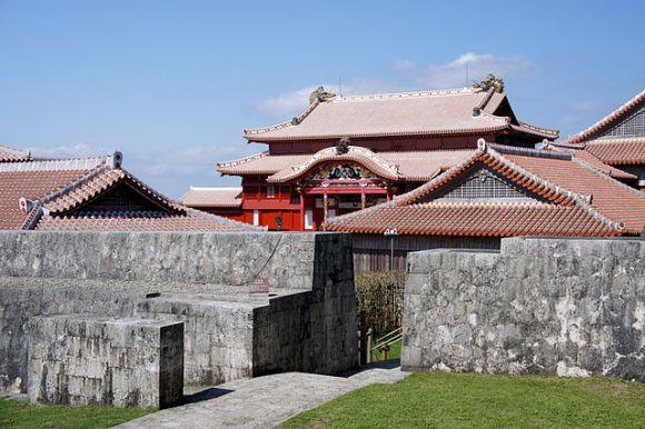 640px-Naha_Shuri_Castle50s3s4500