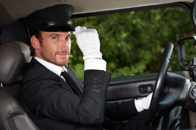 Twitter story about accidentally being a chauffeur gentleman reveals how oblivious men can be