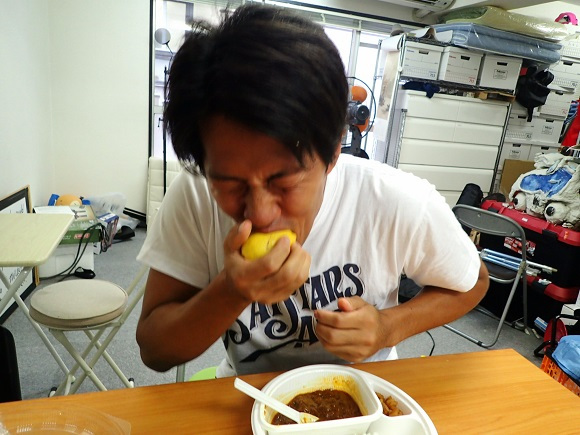 Can fresh lemon neutralize spicy curry and ramen? RocketNews24 investigates! 【RocketScience】