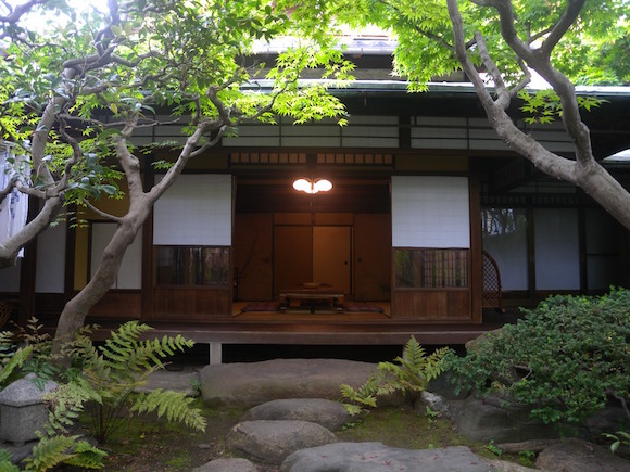 Traditional guesthouse in Kyoto is like a beautiful samurai residence