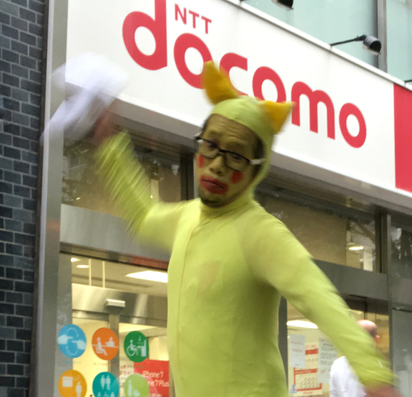 "Mr. Sato does not buy an iPhone7, calls this year's Docomo release ceremony ""f***ing s**t!"""