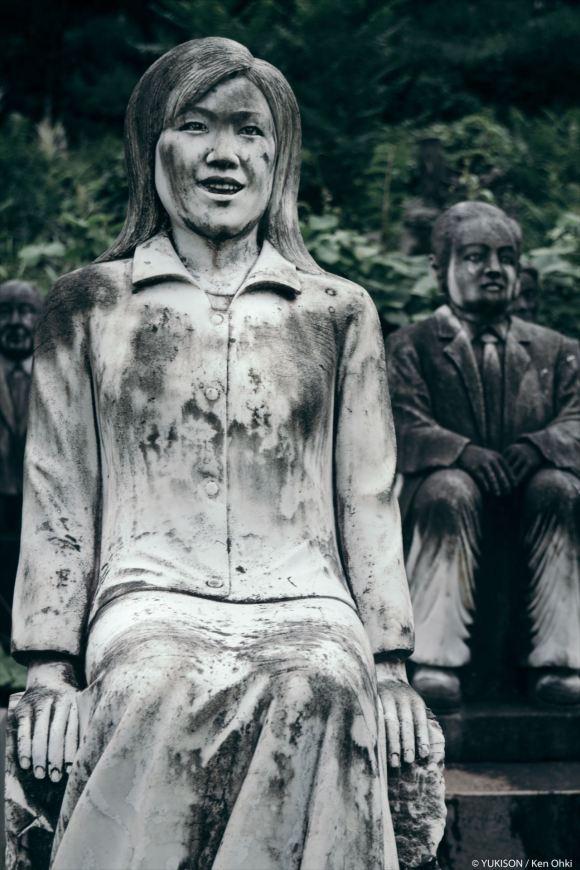 spooky-statues-17