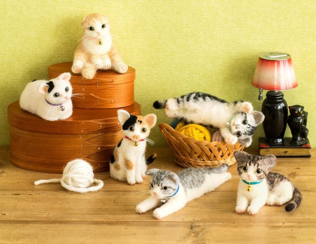 Felt kits from Felissimo let you make purrfectly adorable palm-sized kitty craft