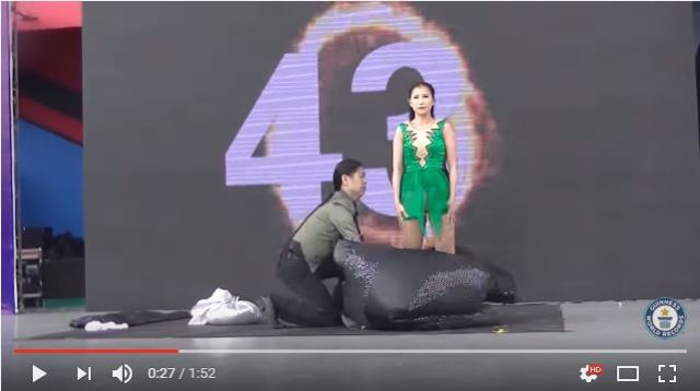 Malaysian magicians break the record for changing clothes in a single minute