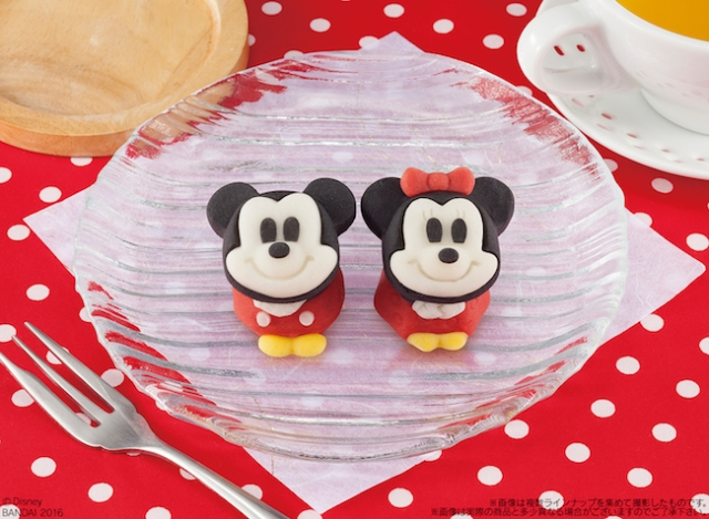 Too-cute-to-eat Mickey and Minnie Japanese confections melt our heart!