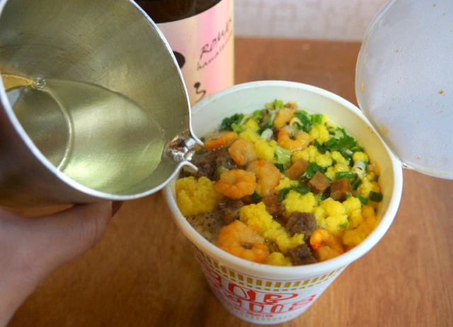 Does adding sake to your instant ramen make it taste better? We try Japan's latest food trend