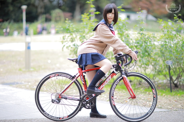 Japanese cosplayer dresses as female high school student for new road bike campaign