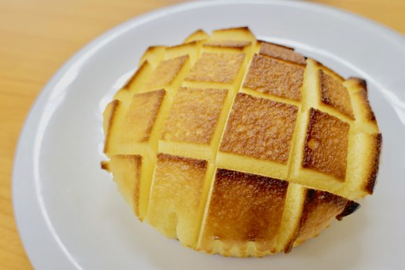 One taste of toasted egg mushipan bread and you'll never go back to eating it the normal way!