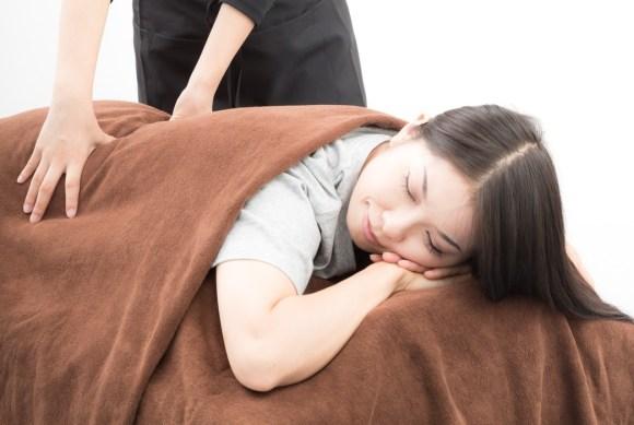 wtf-sleeping-on-floor-1
