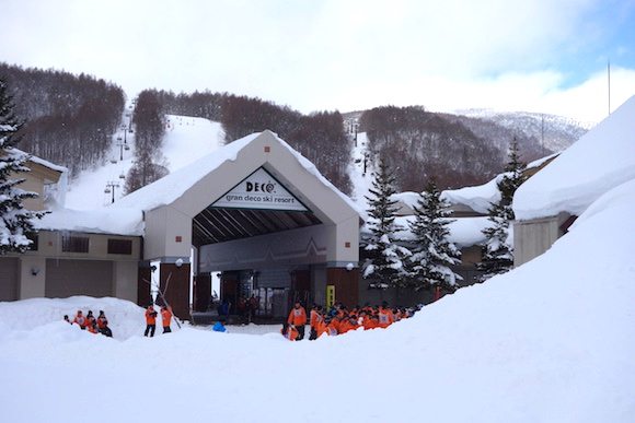 Snowboard and ski in Japan for FREE with new offer exclusively for foreign tourists