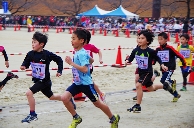 Japanese news reports miracle kid winning long-distance footrace after being in last position