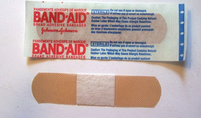 Band-aid lifehack: Japanese Twitter blows the Internet's mind with new way to fasten bandages