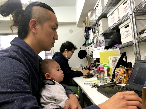 With Japan's day care shortage, how hard is it to bring your baby to work with you? We experiment