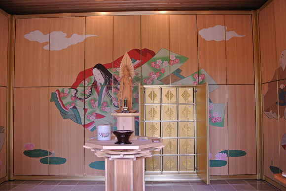 Kyoto temple's women-only mausoleum accepts women who don't want to share their husband's grave