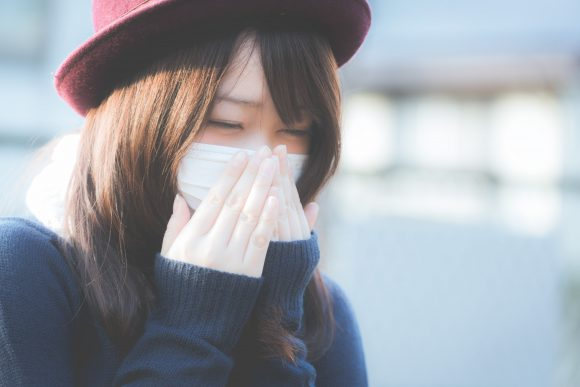 Japanese tourists in flu masks frighten British supermarket shoppers