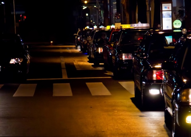 Hyogo man robs taxi driver, driver buys man dinner, man turns self in to police