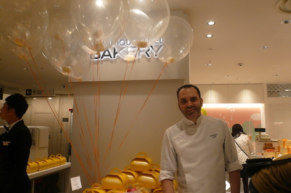2017 World's Best Pastry Chef Dominique Ansel offers floating cakes and more at new Ginza store