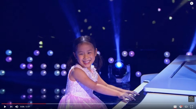 5-year-old Anke from China wows American audiences with her piano and personality【Video】