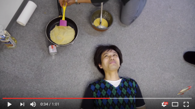 What happens when you put a hot crepe on a handsome man's face?【Video/experiment】