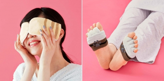 Japanese company releases cute cat paw hand masks and foot covers to support your beauty time