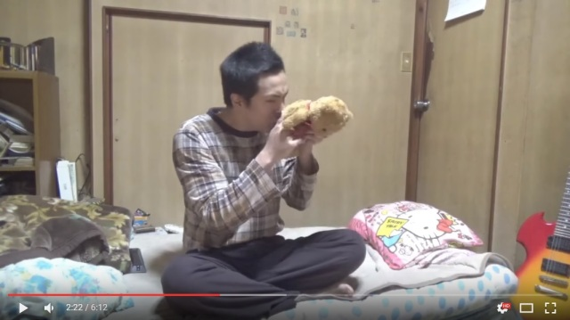 Japanese YouTuber imitates Mr. Bean in a world where sound effects have gone wrong 【Video】