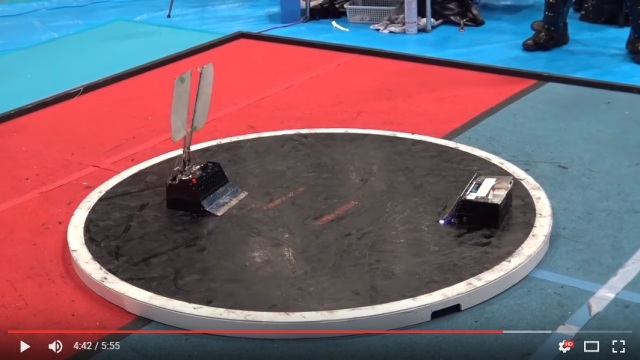 High-speed Japanese sumo robots duke it out in quick and intense skirmishes 【Video】