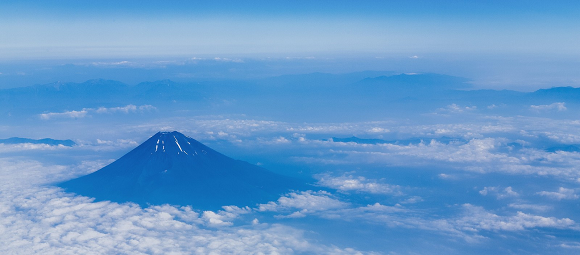"Japanese company builds elevator so fast it could ""carry you to Mt. Fuji's peak in three minutes"""