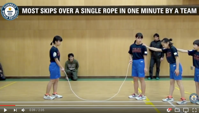 Japanese elementary school students smash Guinness World Record in team skipping