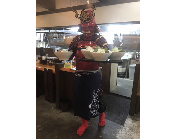 Samurai chef serves ramen with a side of history at awesome restaurant in Japan