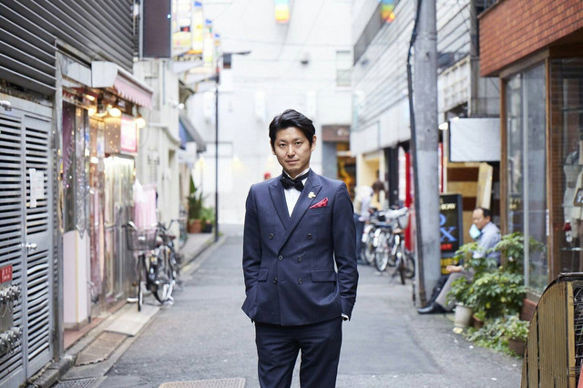 Combination host club/bookstore proposed for Tokyo's liveliest nightlife neighborhood