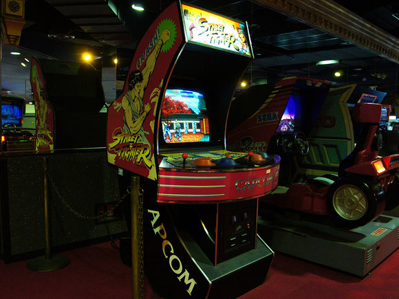 Criminal discovered living in between arcade games in a Japanese amusement arcade