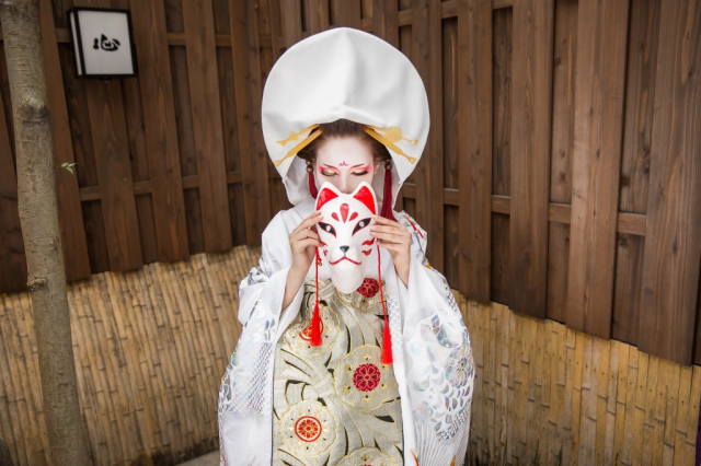 Kyoto's fox bride wedding kimono makeovers let you indulge in cultural cosplay