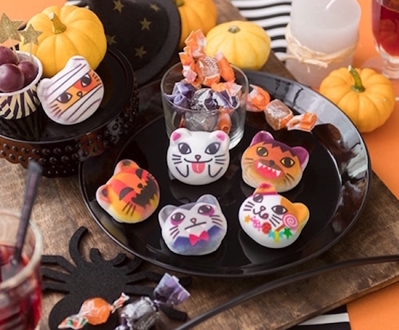 Felissimo's cat marshmallows get ready for Halloween … and they're as cute as ever!