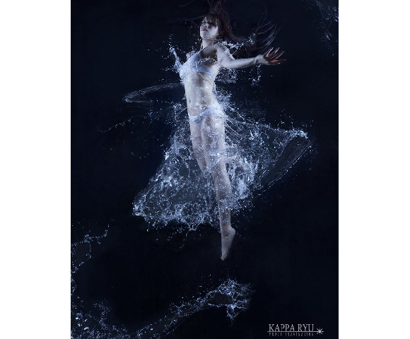 "Japanese photographer creates ""water dress"" through amazing practical effects【Photos】"
