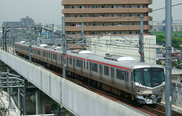 Tokyo train company's apology for 20-second-early departure is one of the best things about Japan