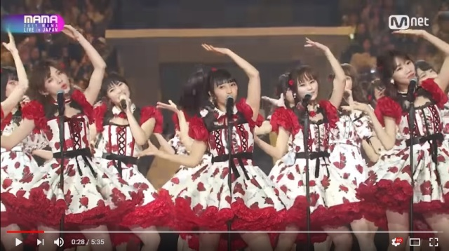 AKB48 and South Korean idol groups perform hits at music awards, turns out to be a disaster