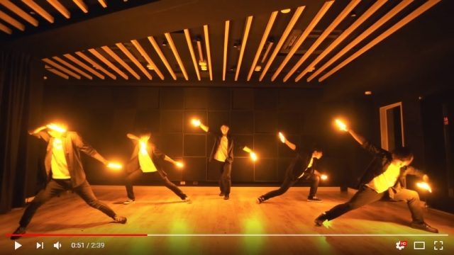 "Wotagei glow stick dance performance of Ed Sheeran's ""Shape of You"" too awesome for words【Video】"