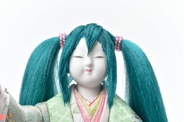Hatsune Miku becomes classic hina doll to show girls they don't have to get married to be happy