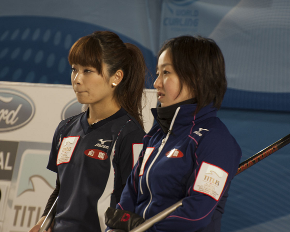 Japanese women's curling team becomes heroes thanks to talent and charm, wins 100 years of rice