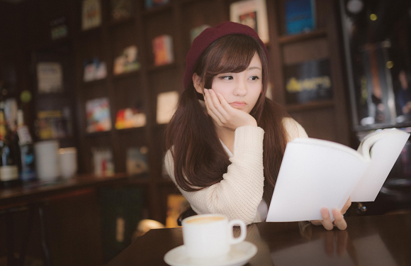 Pro claims many of Japan's light novel authors can't write, aren't the ones creating their books