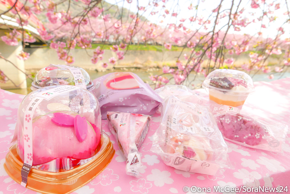 8 sakura sweets to enjoy under the cherry blossoms at your next hanami picnic in Japan