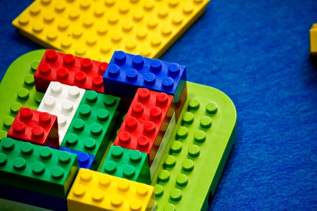 If you want your kids to go to elite universities, give them Legos, Japanese study says