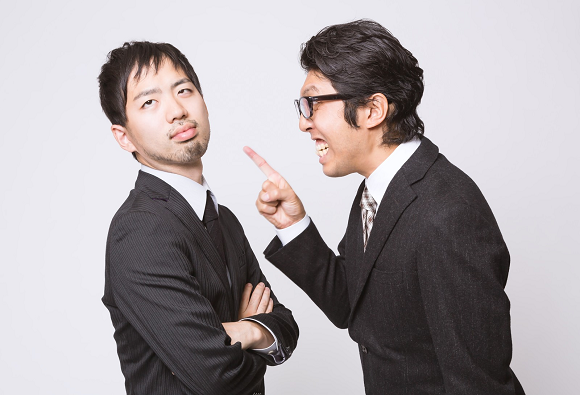 Salaryman with sick wife pulls no punches in verbal smackdown of boss who won't let him go home