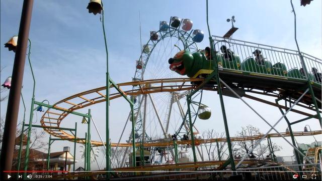 """""""Japan's slowest roller coaster"""" derails, passengers don't notice"""