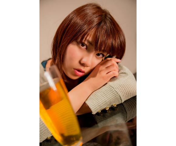 Young Japanese women like alcohol more than any other age group, almost as much as old men【Survey】