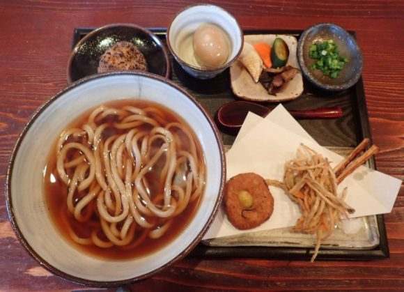 Reserve a spot at Michelin award-winning Waranokura for an unforgettable udon experience
