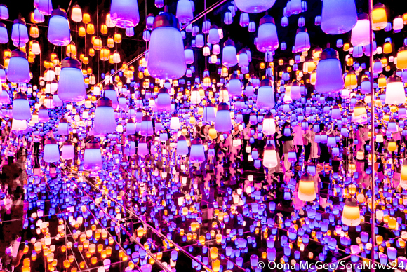 TeamLab Borderless: A visitor's guide to Tokyo's new jaw-dropping interactive light museum